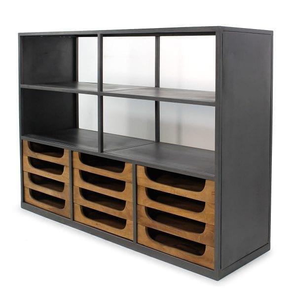 Edwan. Muebles para tienda de ropa.