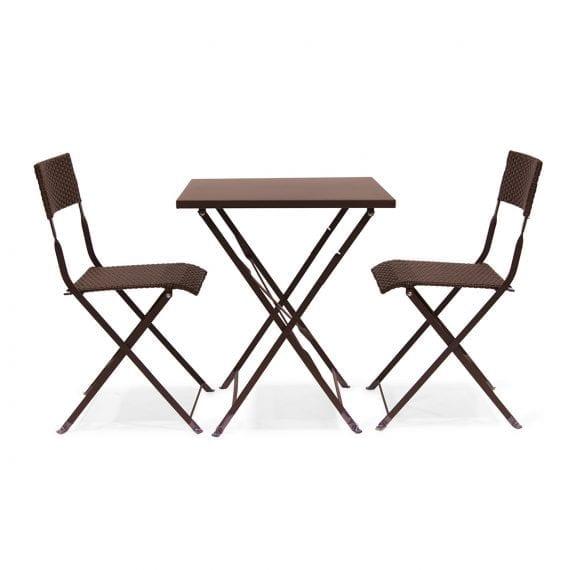 Photo.Ensemble tables et chaises pour terrasse.