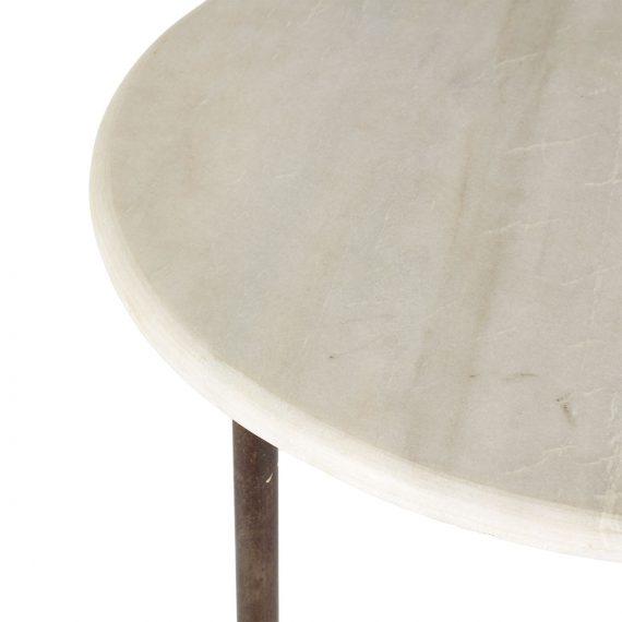 Mesa de mármol.