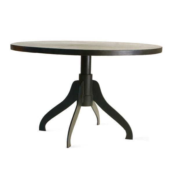 Foto de la mesa redonda de hierro Isola de Francisco Segarra.