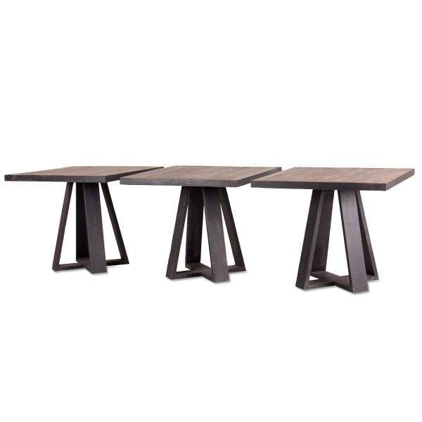 Set de trois tables en bois vintage.