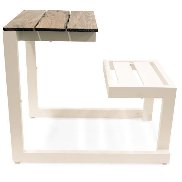 Photo. Tables pique-nique pour l'hotellerie.