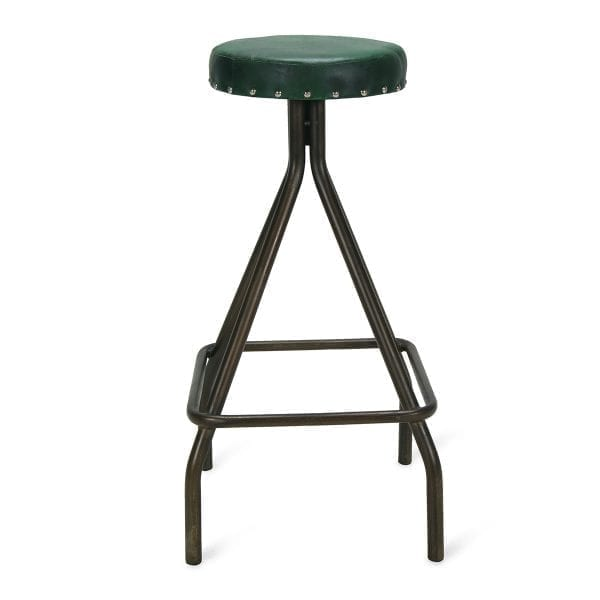 Imagen de los taburetes de bar mendel en piel verde.