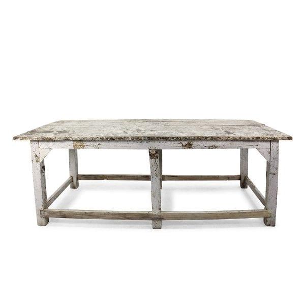 Mesas antiguas de madera para restaurantes.