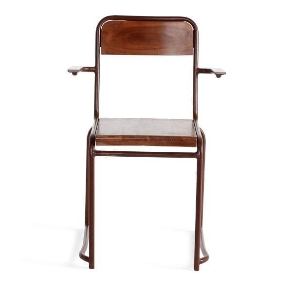 Chaise de bar en bois avec accoudoirs.