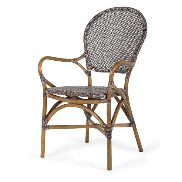 Chaise en rotin aménagement bistrot.