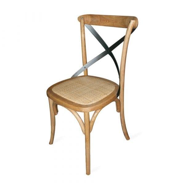 Chaise de bistrot en bois.