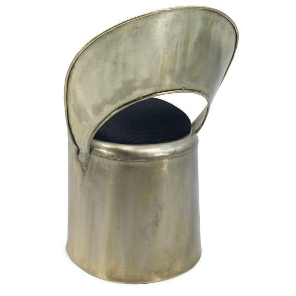 Chaise dorée en métal pour le secteur de l'hôtellerie.