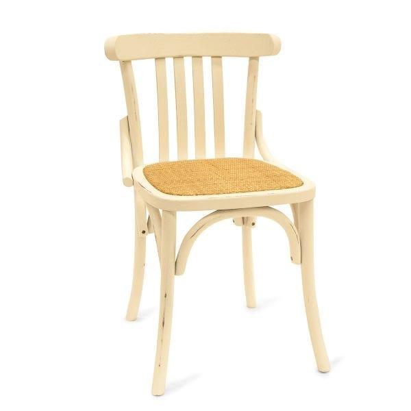 Photo. Chaise en bois pour les cafétérias.