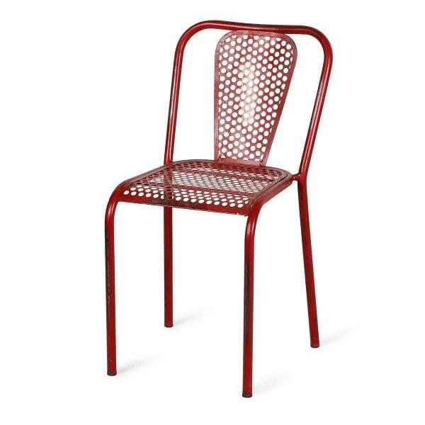 Chaise de restaurant pas cher de couleur rouge.