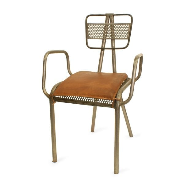 Chaise metal Dunic pour hotellerie.