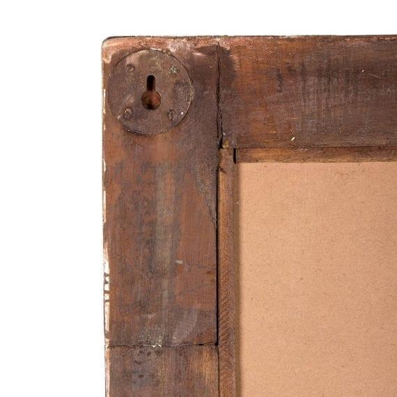 Espejos con un marco de madera vintage.