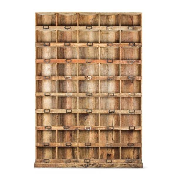 Photo. Etagere en bois pour les commerciaux.