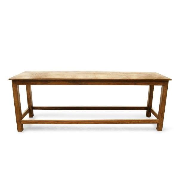 Grandes tables en bois de mangue.