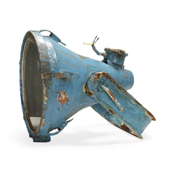 Imágenes. Luminarias y focos industriales antiguos.