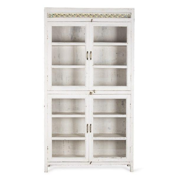 Meuble blanc en bois pour aménagement d'intérieur.