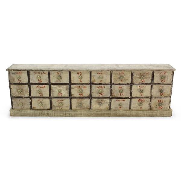 Grand meuble en bois de mercerie.