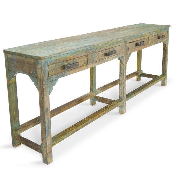 Meuble en bois pour restaurant ou bar.