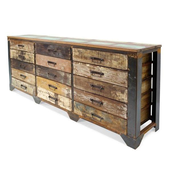 Meuble présentoir fabriqué en bois pour magasin.
