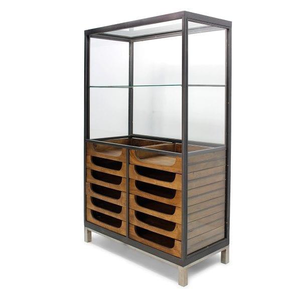 Meuble vitrine de magasin en bois de mangue et en métal.