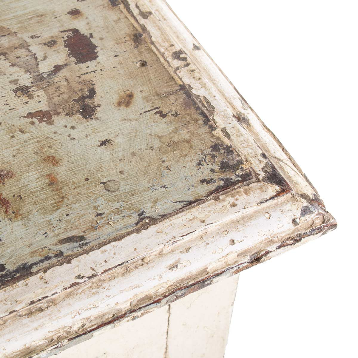 Mueble de madera vintage para almacenamiento.