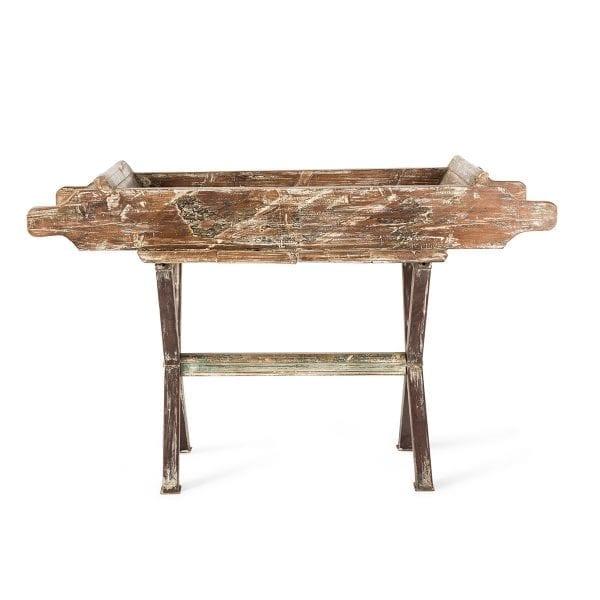 Mueble expositor fabricado en madera.