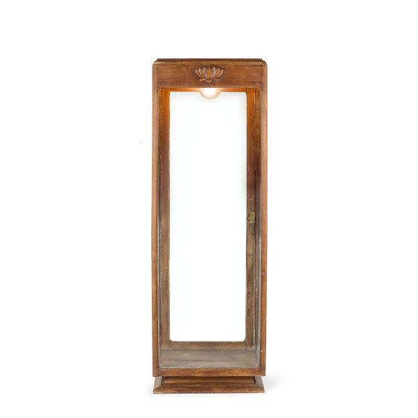 Mueble expositor vitrina en madera.