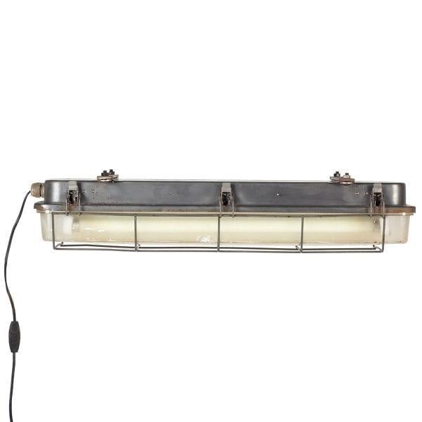 Plafones para iluminación comercial.
