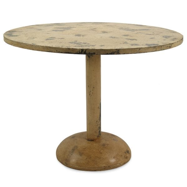 Tables en fer forgé pour restaurants.