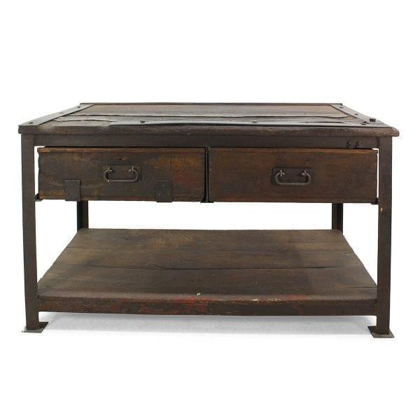 Table originale pour l'hôtellerie de style vintage.