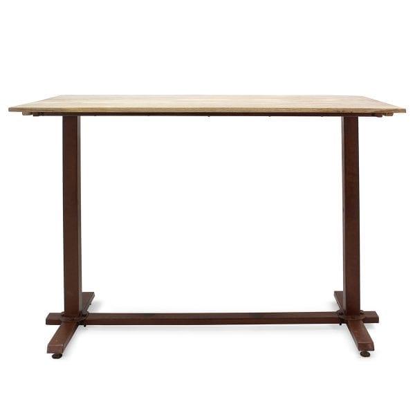 Table en bois pour bistrot.