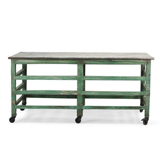 Table en bois vintage de bar.