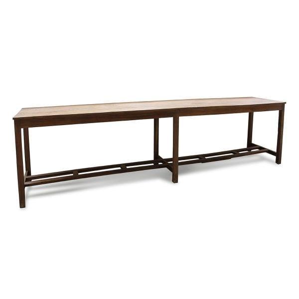 Table vintage en bois pour restaurant ou bar.