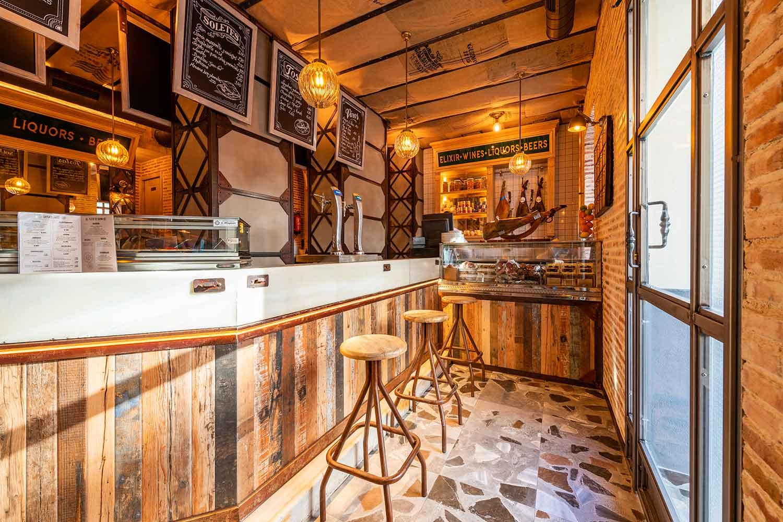 Agencement brasserie vintage Francisco Segarra.