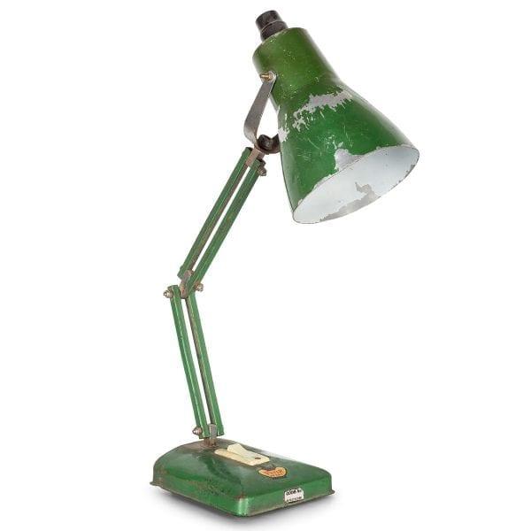 Anciennes lampes de bureau en métal.