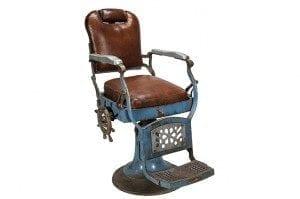 Vieille chaise de barbier style vintage