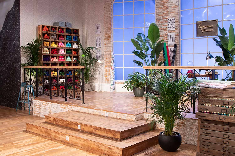 d co de l 39 atelier de couture de maestros de la costura. Black Bedroom Furniture Sets. Home Design Ideas