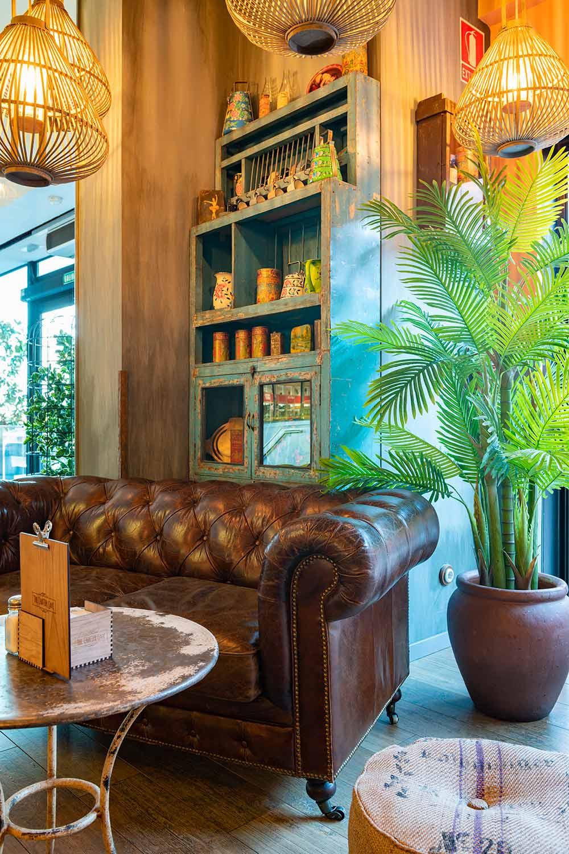 Decoración y diseño de la cafetería The Chatter Café en Madrid.