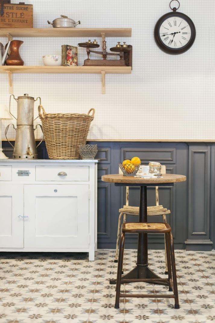 d coration int rieure vintage dans le restaurant la popote. Black Bedroom Furniture Sets. Home Design Ideas