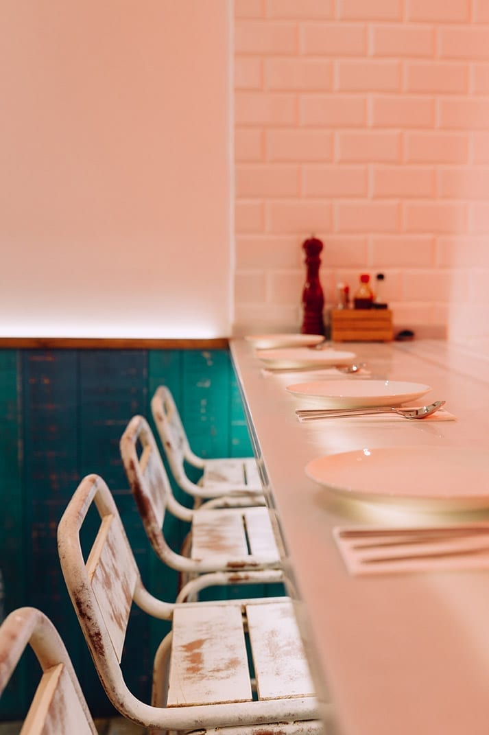 Décoration et mobilier vintage pour restaurant mexicain.