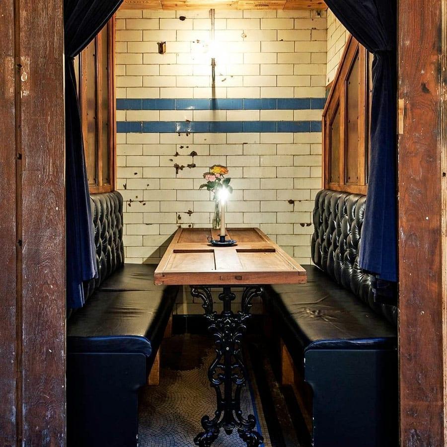 Décoration et agencement de restaurant insolite.