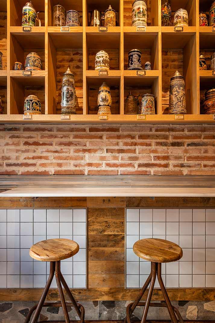 Diseño de la cervecería Gran Sol en Madrid.