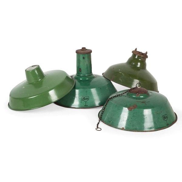 Photo.Lampe industrielle ancienne pour les restaurants.