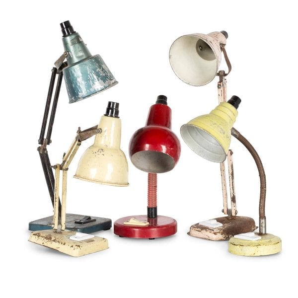 Lampes industrielles de bureau vintage.