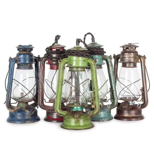 Photo.Lanternes anciennes pour la décoration en hôtellerie.