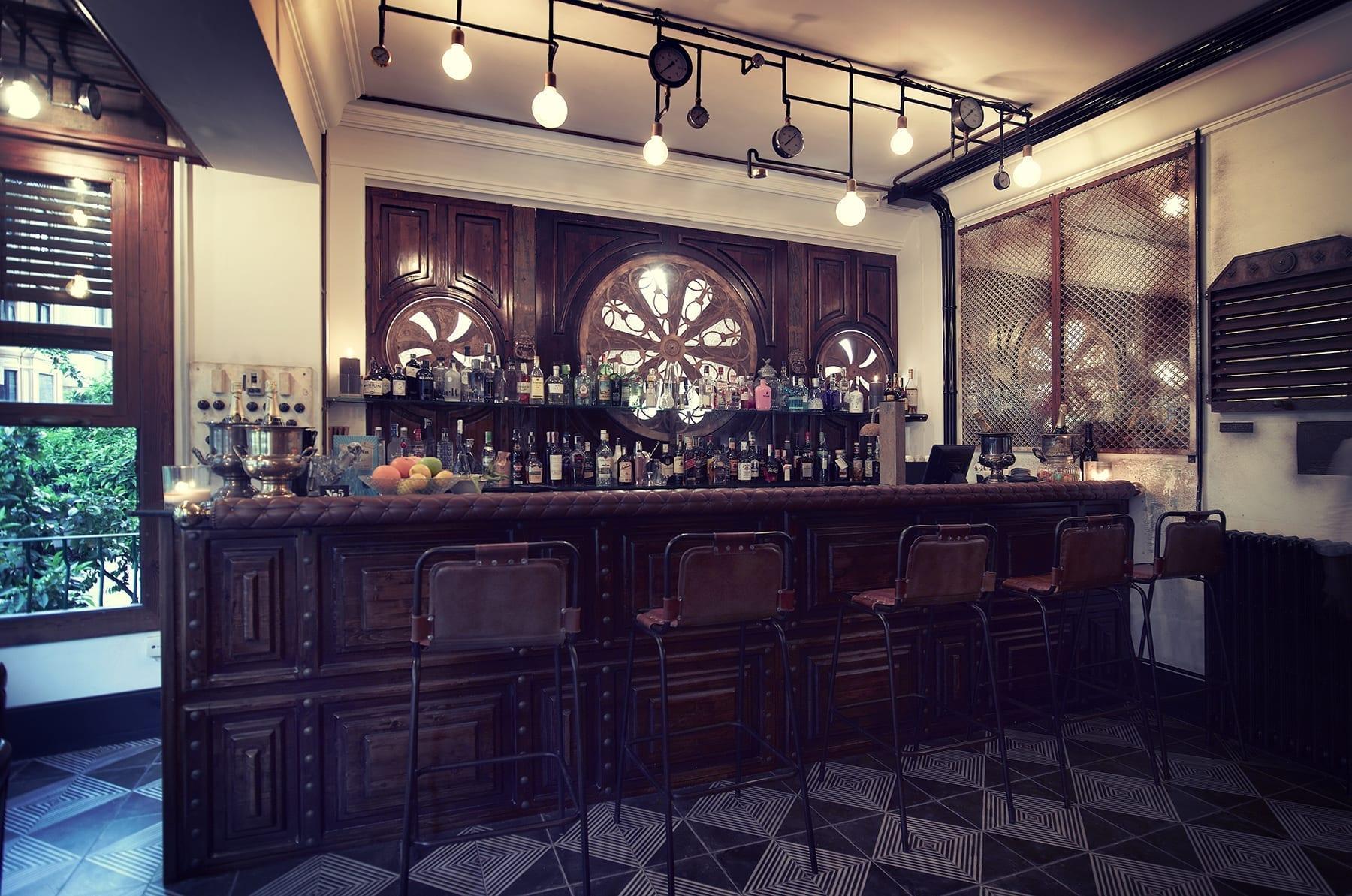 Imágenes de la barra de bar en N5.