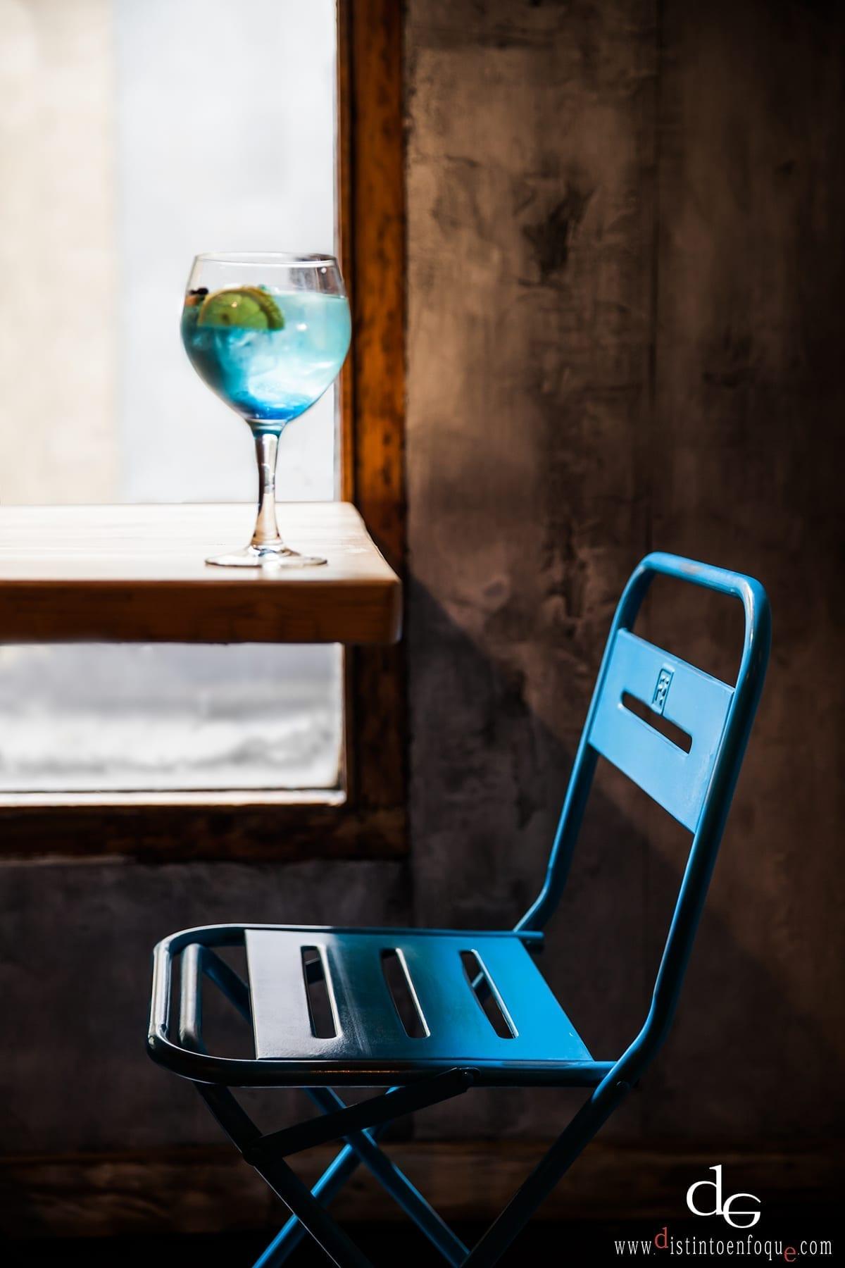 Imagen de las sillas para terraza en bares modelo Petrona.