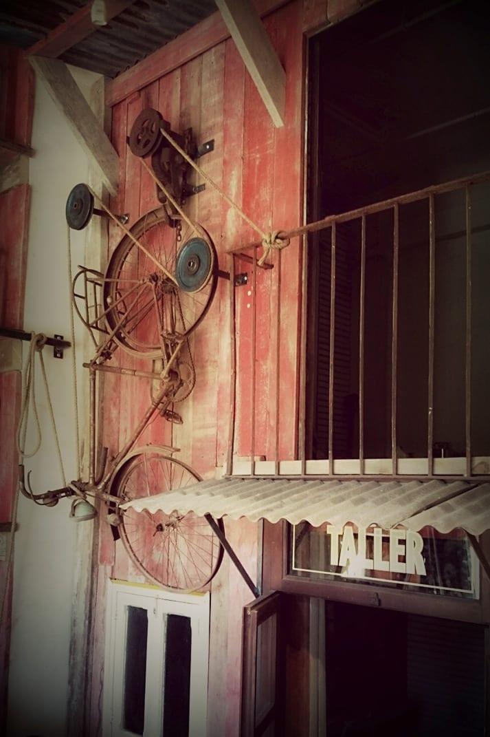 Fotos de la tienda de muebles en Madrid de Francisco Segarra.