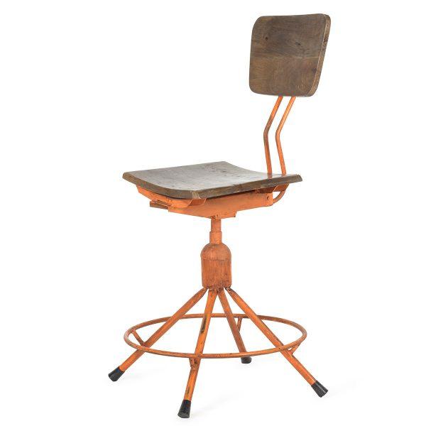 Chaise design industriel.