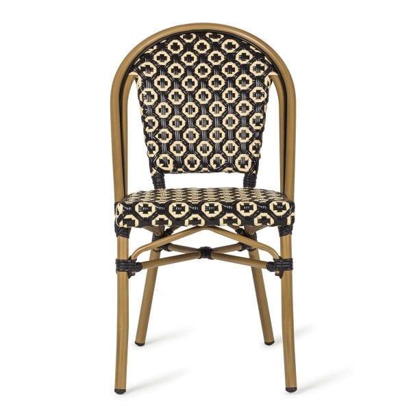 Les chaises parfaites pour l'extérieur des bars et restaurants.
